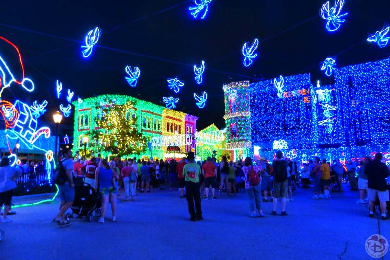 The Osborne Family Spectacle of Dancing Lights 2015