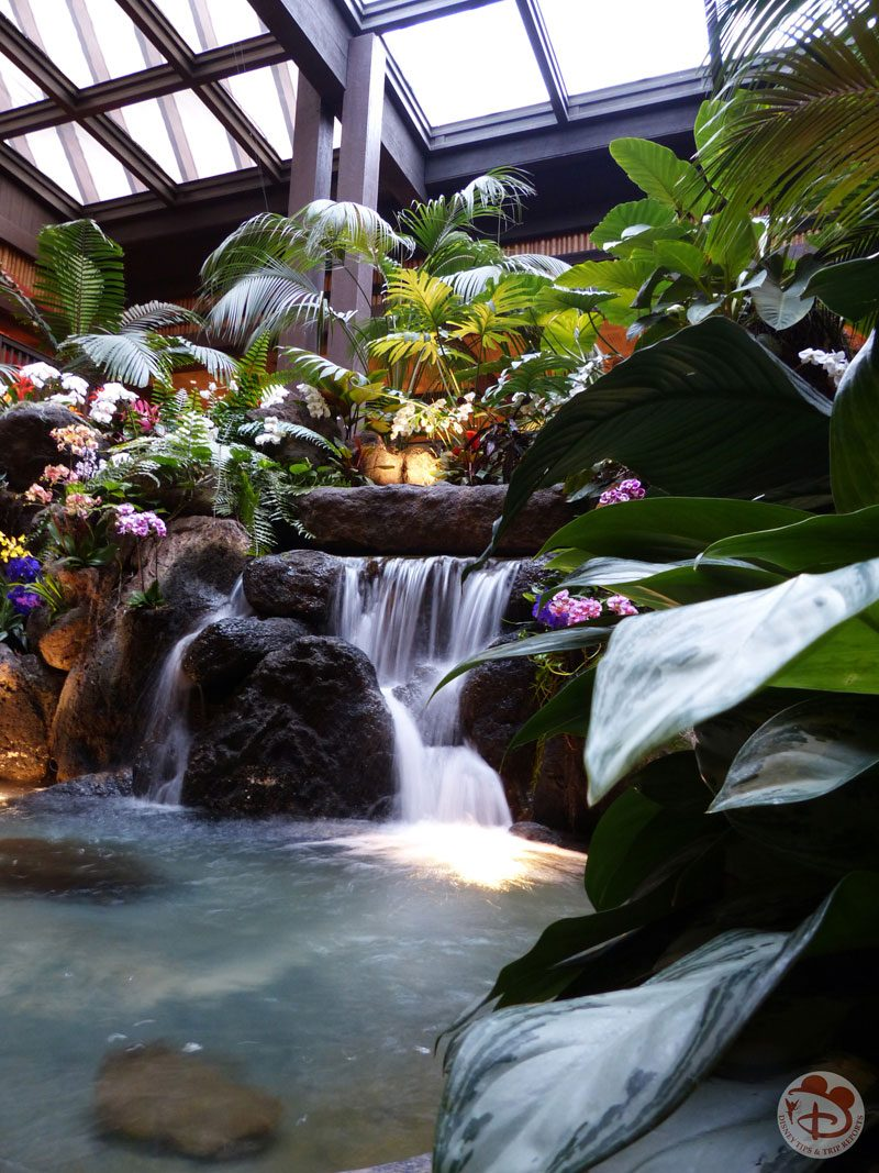 Disney's Polynesian Resort old waterfall