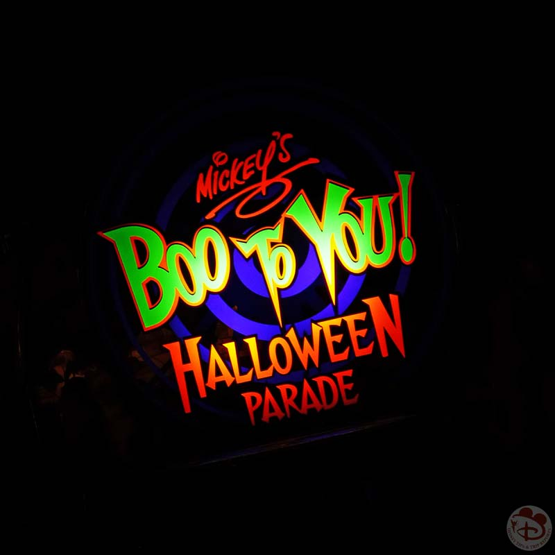 Mickey's Boo To You Halloween Parade - Mickey's Not So Scary Halloween Party