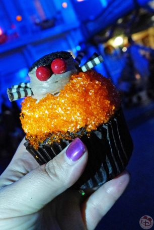 Halloween Cupcakes at Mickey's Not-So-Scary Halloween Party 2015