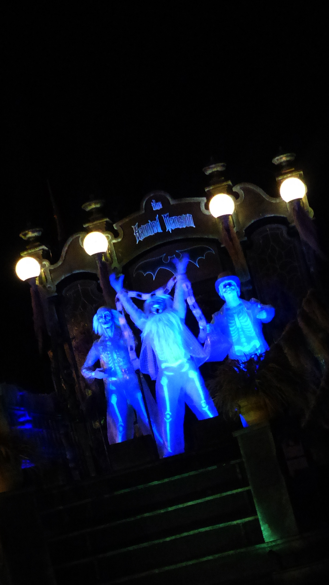 Amazing Wallpaper Halloween Light - Mickeys-Not-So-Scary-Halloween-Party-Disney-iPhone-Wallpaper-2-2  Perfect Image Reference_96792.jpg