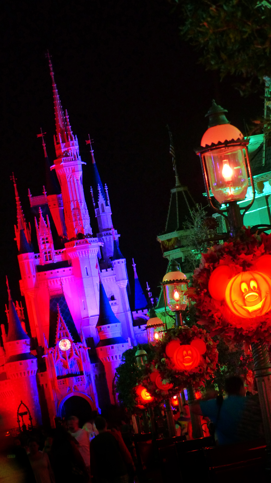 Disney iPhone Wallpapers - Mickey's Not-So-Scary Halloween Party ...