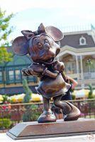 Minnie Mouse Statue - Magic Kingdom