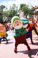 Happy - Festival of Fantasy Parade - Magic Kingdom